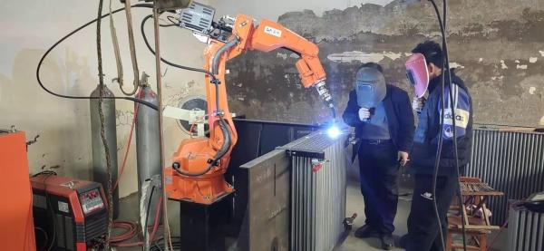 石家庄焊接机器人